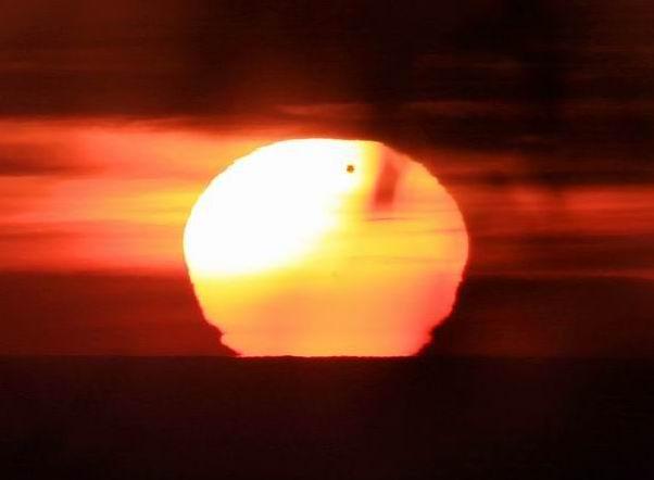 Transito-di-Venere sul Sole