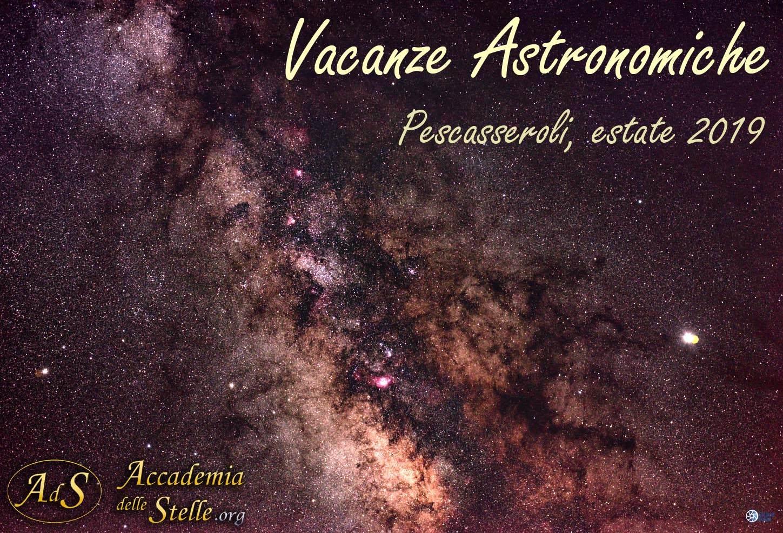 Il centro della Via Lattea fotografata a camera fissa da Stefano Gobbo durante le Vacanze Astronomiche dell'Accademia delle Stelle (luglio 2019)