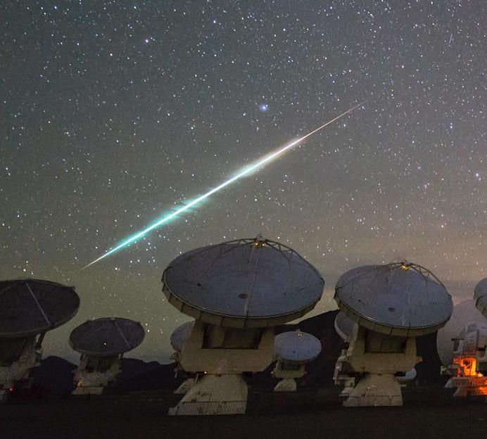 cosmic-fireball-falling-over-alma-1600
