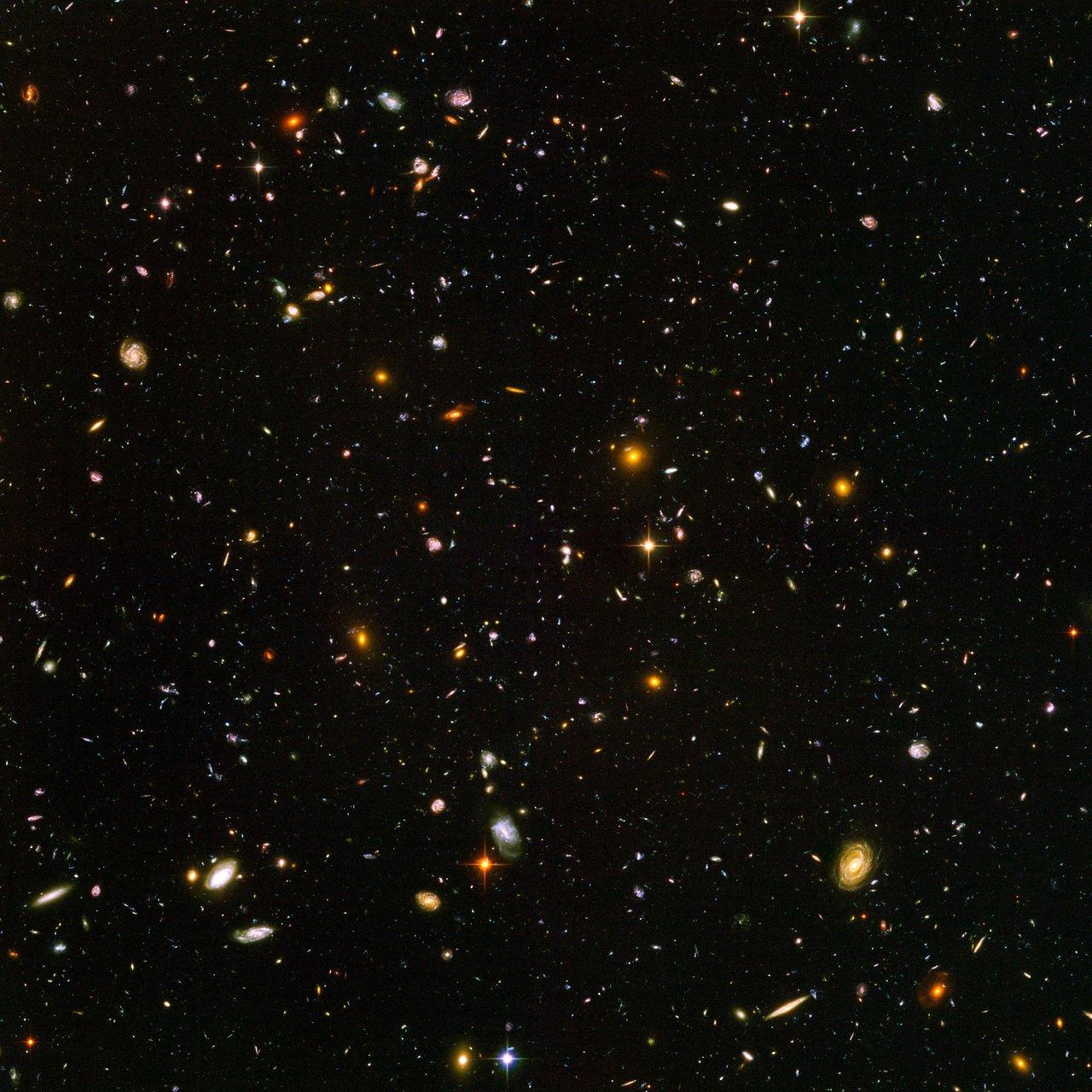 quante-galassie heic0611b-1
