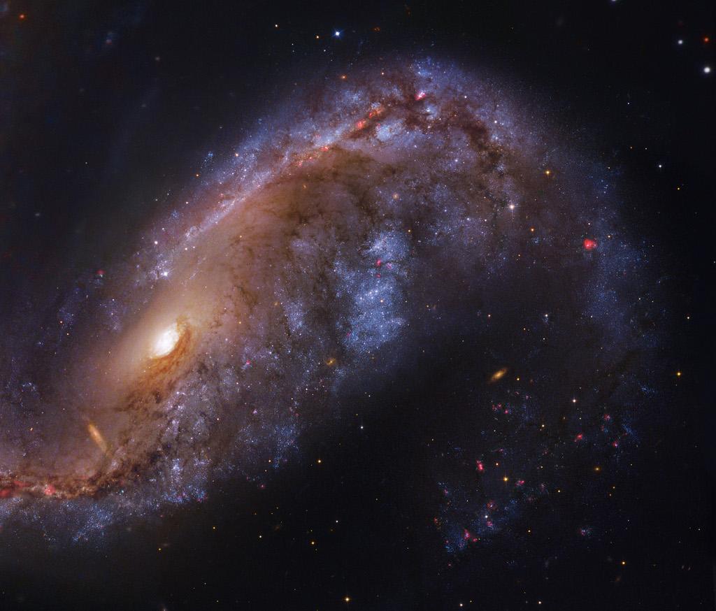 NGC2442-HST-ESO-L1024c