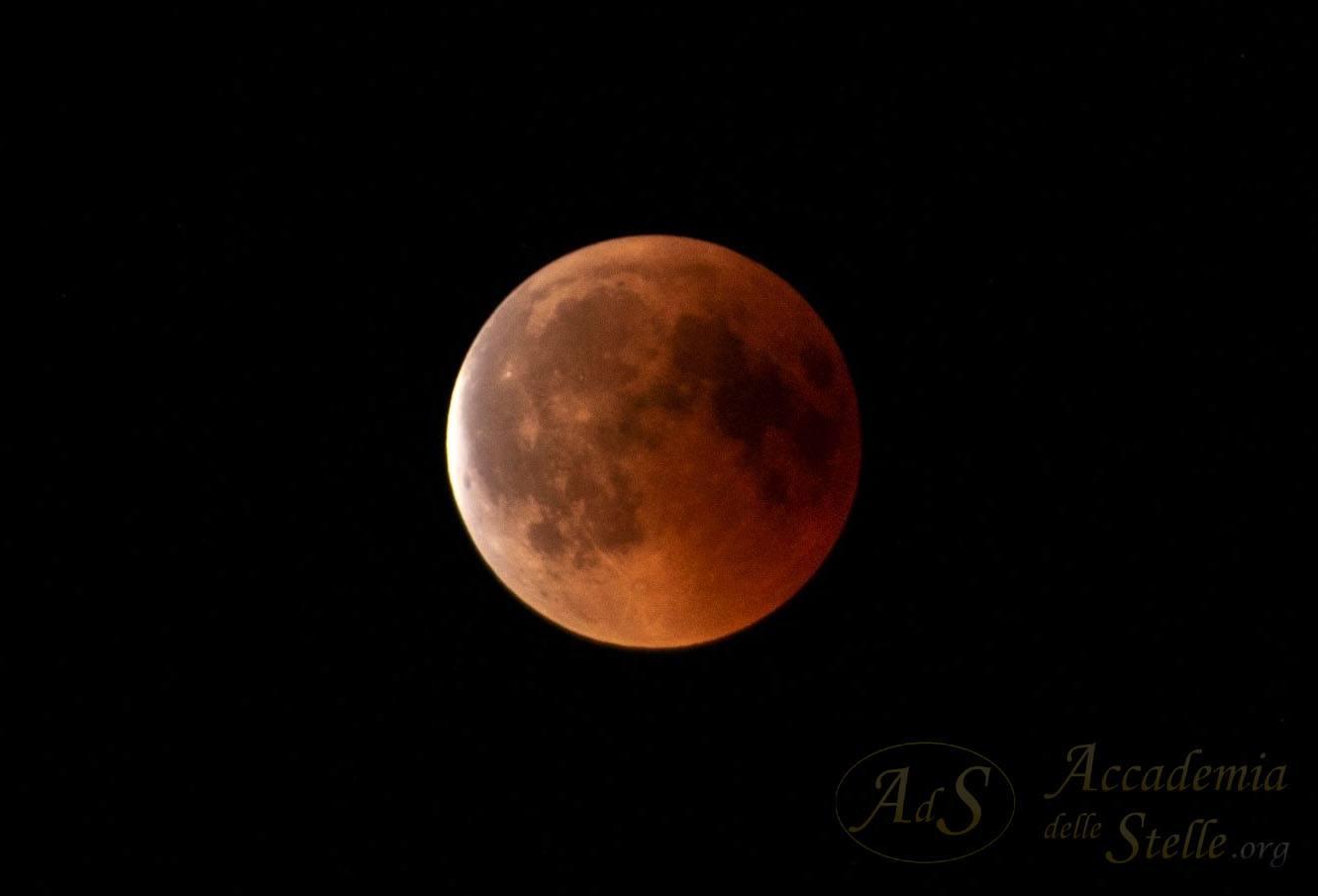 L'eclissi ripresa da Giuseppe Caracciolo attraverso il suo Newton fotografico 200/800 messo a disposizione dell'evento a Ostia Antica.