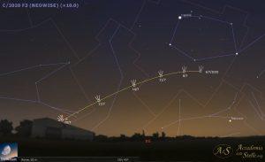Mappa celeste per individuare la cometa nel cielo dell'alba. Attraversa le costellazioni di Auriga e Lince.