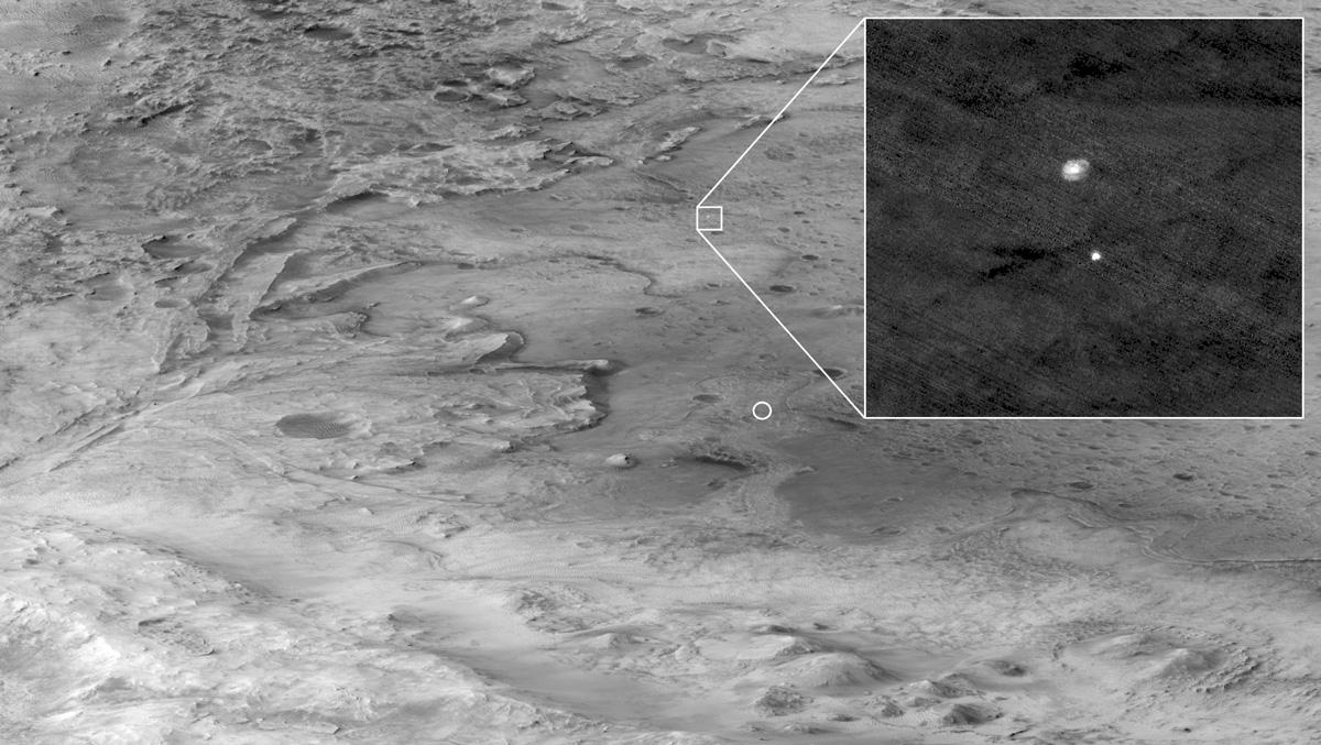 Mars Reconnaissance Orbiter fotografa la discesa di Perseverance col paracadute